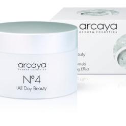 Lækker ansigtscreme med solfaktor, der giver en UV-beskyttende effekt. Ingredienserne forbedrer hudens elasticitet og minimerer rynkernes dybde i huden.