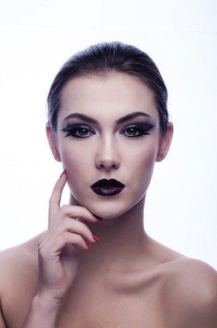 Sådan fjerner du hårene i ansigtet, let og enkelt